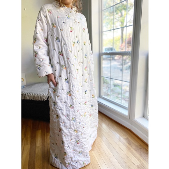 Vintage Intimates Sleepwear 70s Embroidered Button Housecoat Robe Poshmark